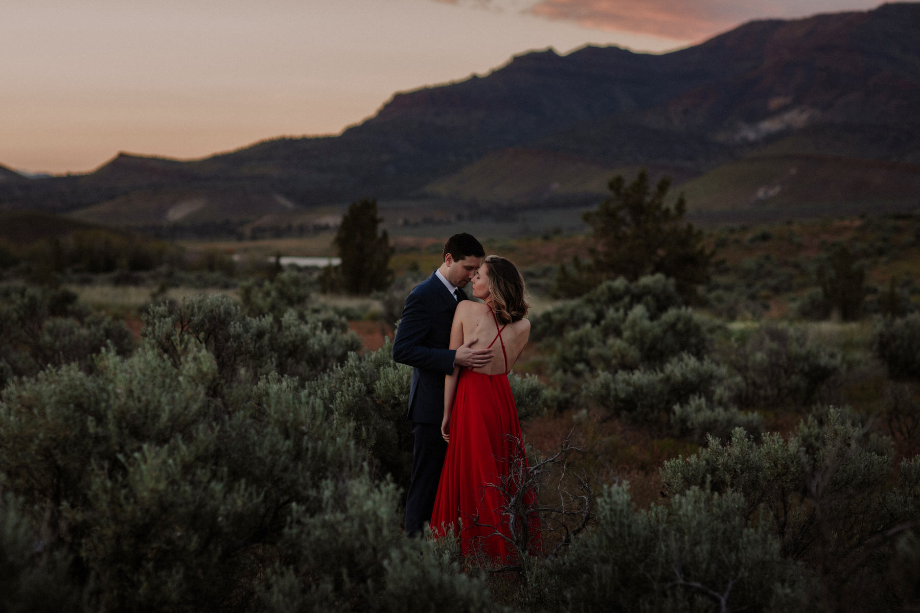 best locations for wedding in oregon desert